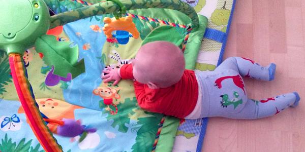 6 Monate Kuschelkind