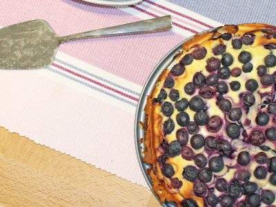 Gebackene Heidelbeer-Topfen-Torte