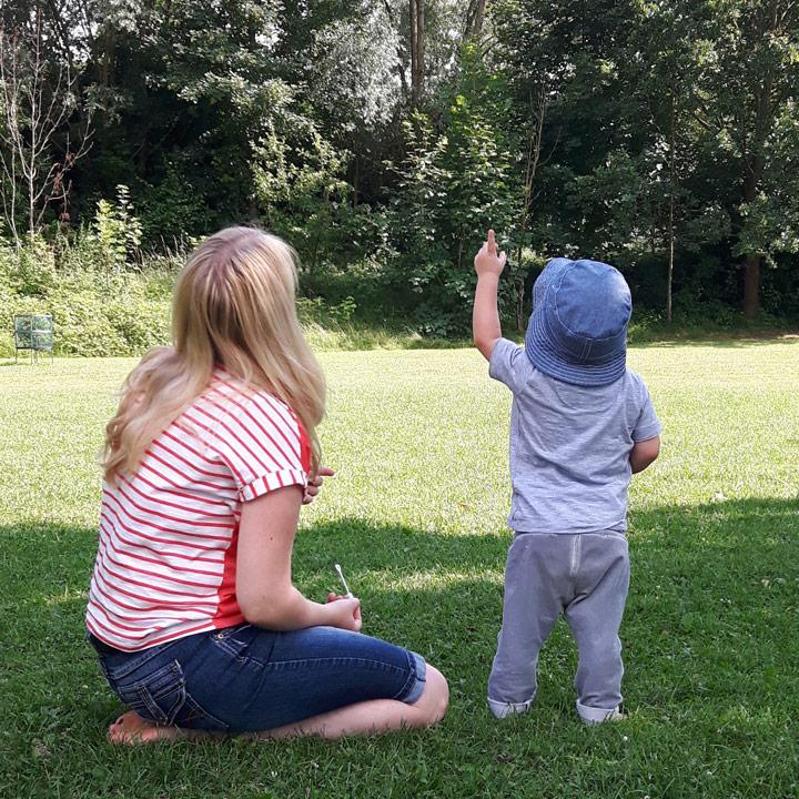 24 Monate mit Kind